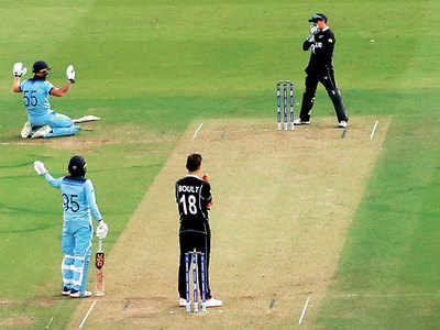 Former umpire Simon Taufel: England should have been awarded five runs, not six