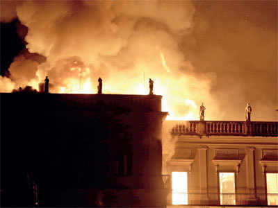 Blaze ravages rio's 200-yr-old museum