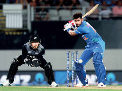 India vs New Zealand 1st T20I: Shreyas Iyer hits the middle