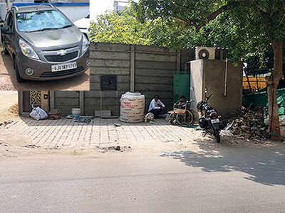 Speeding car runs over man sleeping on footpath