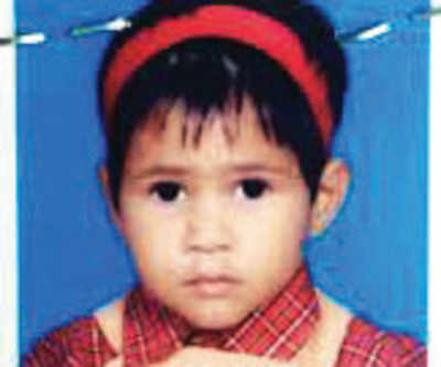 4-yr-old dies after heavy school bag topples her from fourth floor