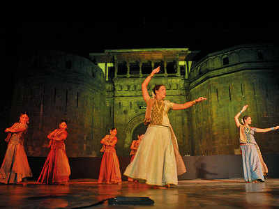 Festival straddles 18 don'ts to reach Shaniwarwada