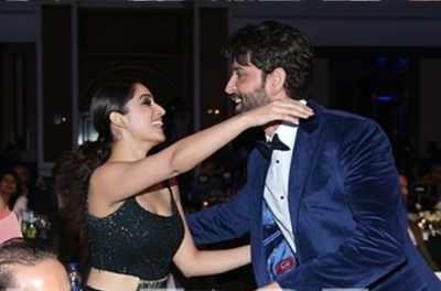 Kaabil stars Hrithik Roshan and Yami Gautam reunite at an award night