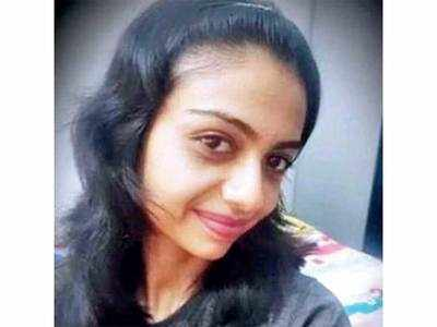 Navsari Civil nurse dies by suicide