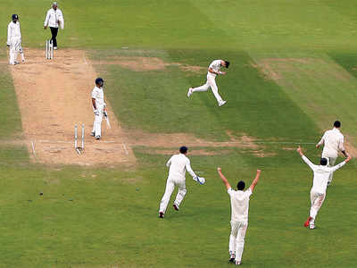 India fail English test; 4-1 victory for hosts
