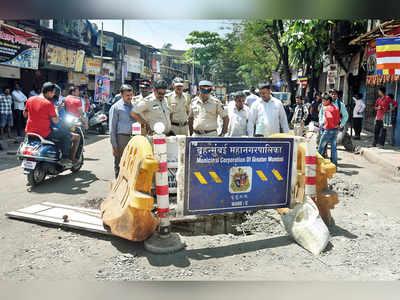 Four killed as open drain makes truck overturn in Vikhroli