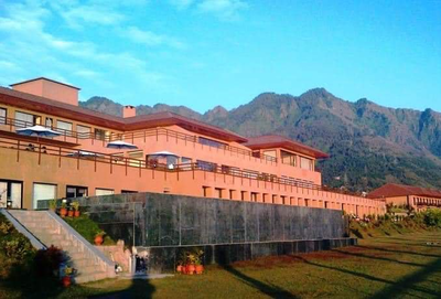 Fake alert: Photo of luxury hotel in Srinagar shared as Ghulam Nabi Azad's house