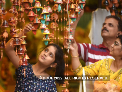 Diwali 2019: Here are some wishes, messages, quotes, WhatsApp and Facebook status to share with your friends and family