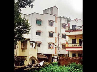 Dodging quarantine norms earns Dehu Rd family an FIR