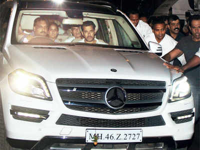 Cars used by Salman Khan, Aaditya Thackeray among those in unpaid fines list