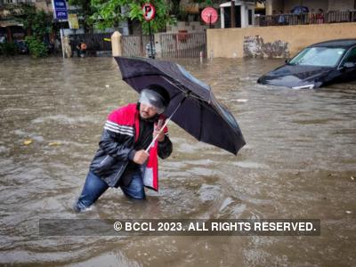 Mumbai Rains: Internet flooded with jokes and memes as heavy rains clog the city