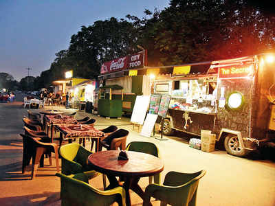 Food trucks from 11 pm to 5 am: BMC's Mumbai 24X7 booster after tepid response to nightlife plan
