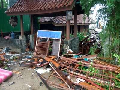 Volcano tsunami hits Indonesia after Krakatoa eruption, 43 killed