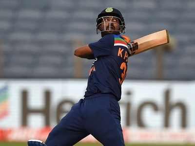 India vs England 1st ODI: Krunal Pandya's record fifty powers India to 317/5