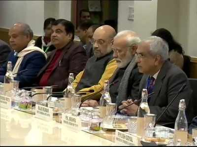 PM meets over 30 industry experts and economists on growth, jobs, $5 trillion economy