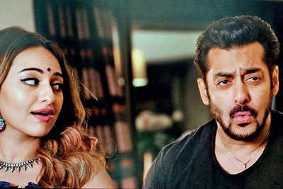 Salman Khan, Sonakshi Sinha reunite in New York