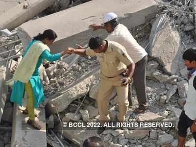 Mumbai: Two injured as portion of building collapses in Ghatkopar