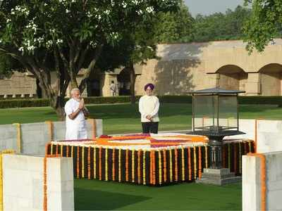 Ahead of swearing-in, Modi pays tributes to Mahatma Gandhi, Atal Bihari Vajpayee