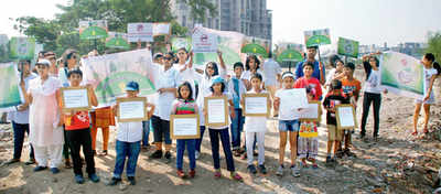 Citizens save Vashi plot from being used as truck parking lot