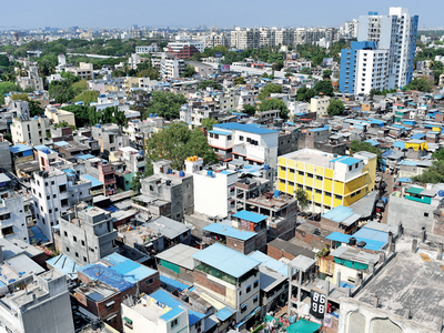 Packed in slum, residents ask for PMC's help to follow social distancing