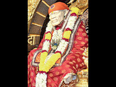 'Banks have no space to keep Shirdi temple coins'