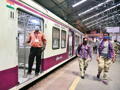 Western Railways' staggered timings system flops; only 5 per cent report for evening shift