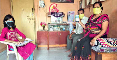 Pune varsity students adopt 10 families each