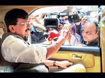 Shiv Sena leader Sanjay Raut undergoes angioplasty at Lilavati Hospital