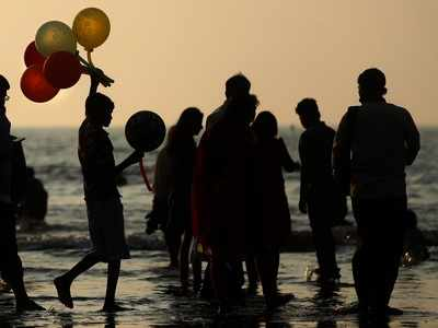 Shut Juhu beach for visitors on weekends, BJP MLA tells BMC amid surge in COVID-19 cases