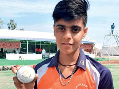 Chandigarh's Kashvee Gautam takes all ten wickets