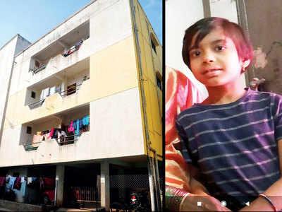 11-year-old boy falls from 3rd floor, dies