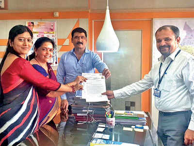 Corporators donate one-month salary to victims of Maha floods