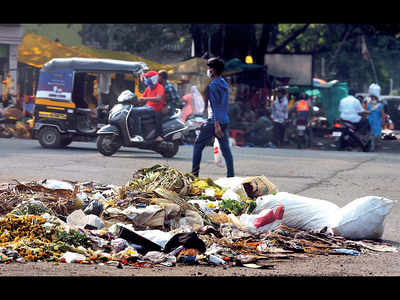 With no alternative, city garbage piles up