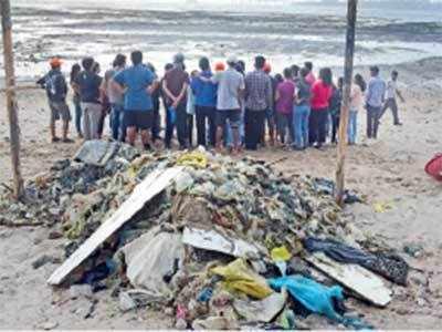 Dadar beach clean-up warrior Chinu Kwatra gets a pat from UN
