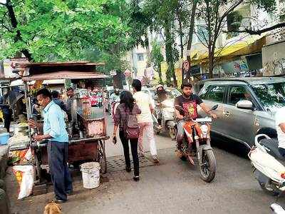 'Kothrud pavement stalls are licenced'