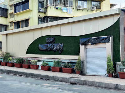 'Bridge hotel' shuts after BMC checks in with a notice