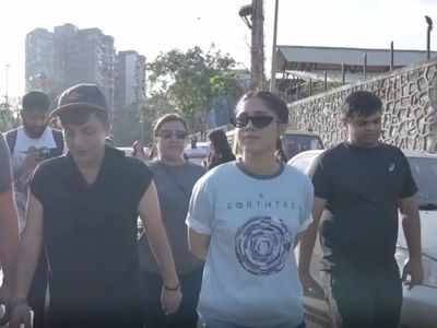 Bhumi Pednekar joins Afroz Shah's clean-up project at Versova Beach