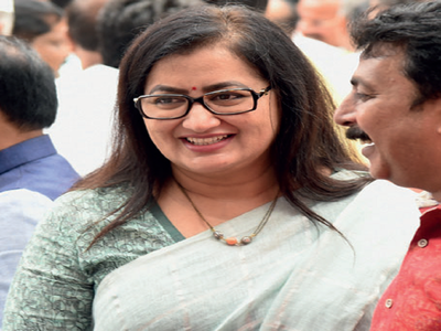 Not joining BJP, says Sumalatha