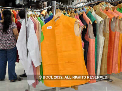 Dress code declared for govt employees in the state: No t-shirt, jeans, slippers, wear khadi once a week