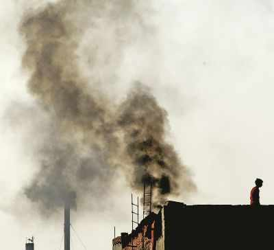 3 labourers killed, 2 hurt as bakery's chimney collapses