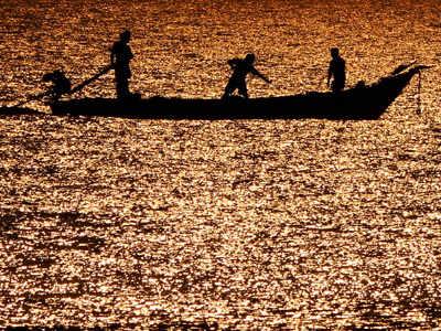 Indian Coast Guard apprehends seven Pakistani fishermen off Gujarat coast