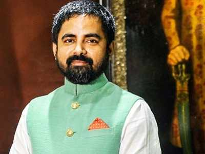 Sabyasachi has finally found a way to combat his copycats