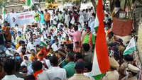 Aurangabad: Farmers stage protest outside MSEDCL office over power supply issue