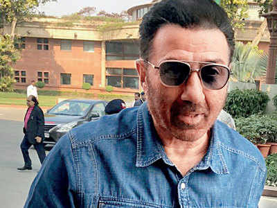 Sunny Deol reaches out to fresh talents, scouts for good scripts