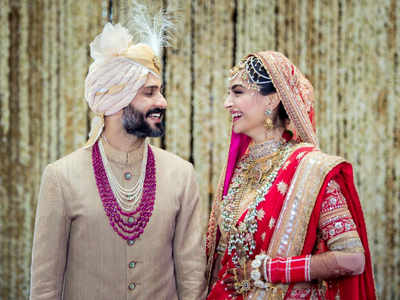 Sonam Kapoor and Anand Ahuja tie the knot in a traditional Anand Karaj