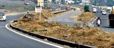 Gadkari blames Axis Bank for delayed work on Pune-Satara highway stretch