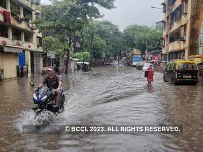 Mumbai Weather Updates: Ganesh Chaturthi brings rain in Mumbai; more rain expected