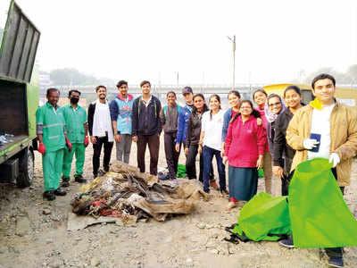 Firms seek ploggers' help to keep city clean
