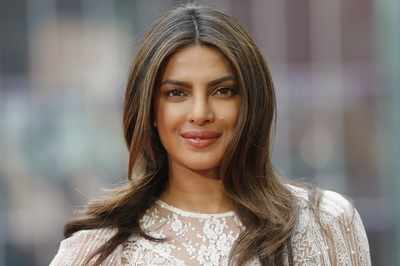 Priyanka Chopra writes an emotional message for mother Madhu Chopra