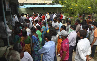 Coronavirus in India live updates: Normal timings for shops in Bengal between Oct 10-20